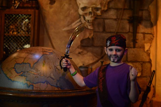 PhotoPass_Visiting_Event_Pirates_7048592312