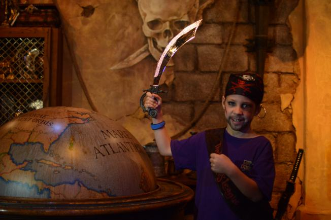 PhotoPass_Visiting_Event_Pirates_7048592433