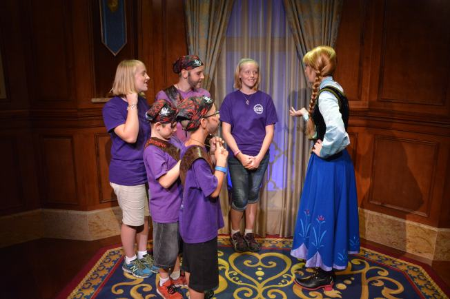 PhotoPass_Visiting_Magic_Kingdom_7048891304 (1)
