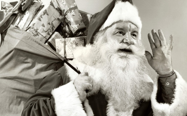 New_Year_wallpapers_Black_and_white_Santa_Claus_054356_12