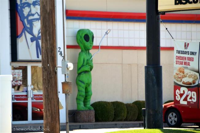 roswell-kfc-alien